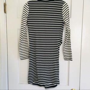 Topshop Dresses - TopShop Striped Black and White Stretchy Dress